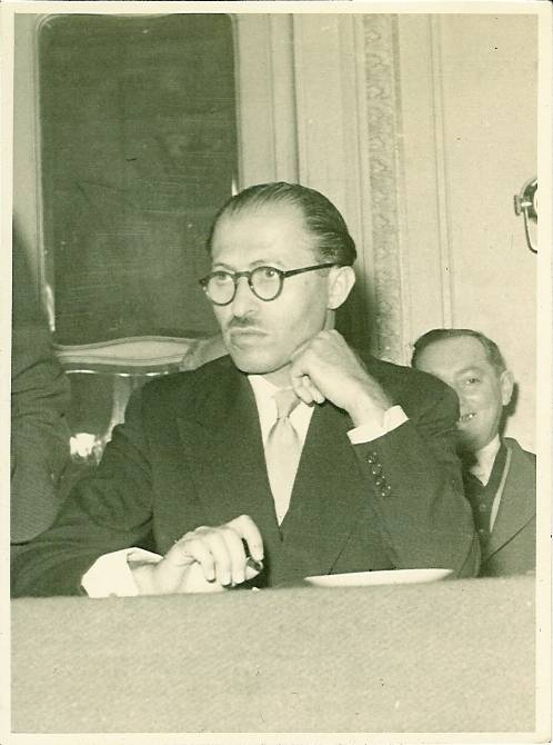 Menachem Begin at a meeting at Isidore Franckel's apartment in Paris